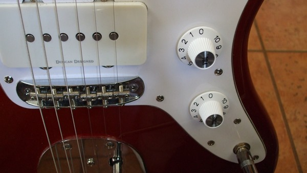 Jazzmaster with witch hat knobs