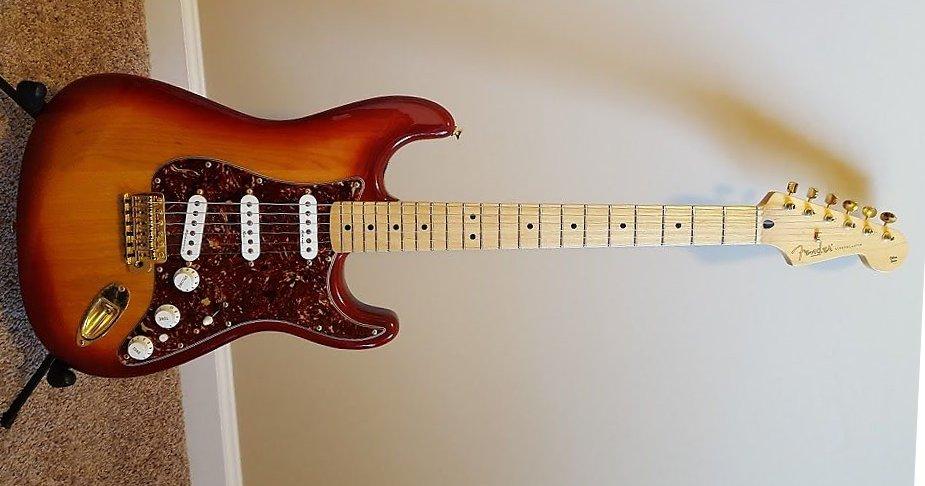 2005 Fender MIM Stratocaster Sienna Sunburst