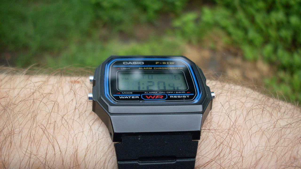 Casio F-91W tilted back