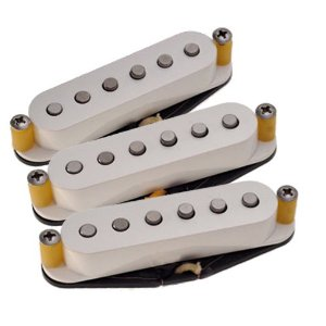 Understanding flat and staggered pole pieces in pickups